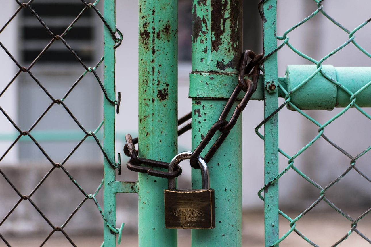 Bewaking aan de poort